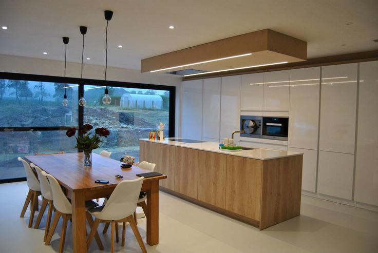 Witte keukens met hout verbouwing keukenplannen basichic - Hout en witte keuken ...