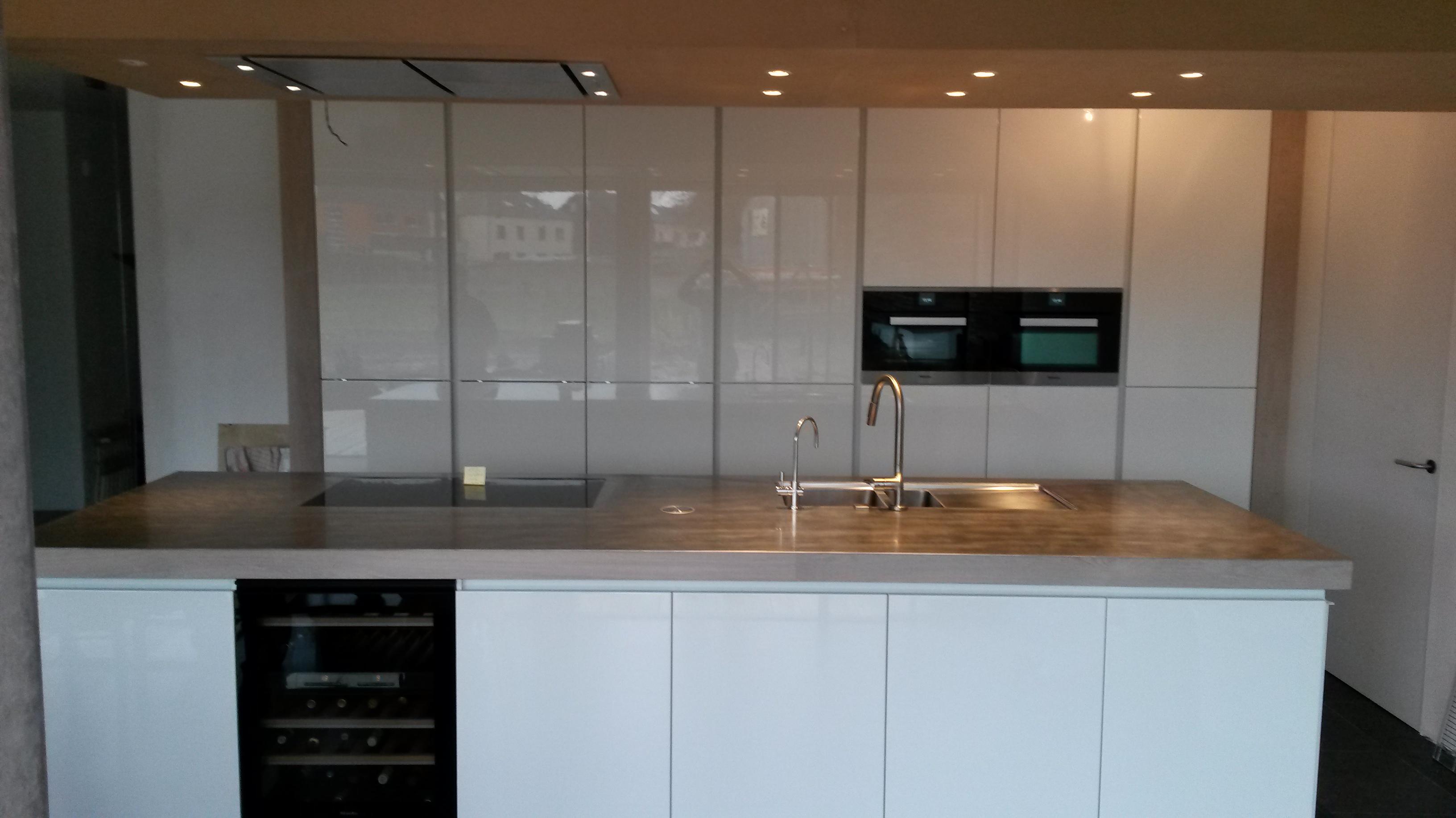 keuken in hoogglans wit – Taes Keukens & Interieur
